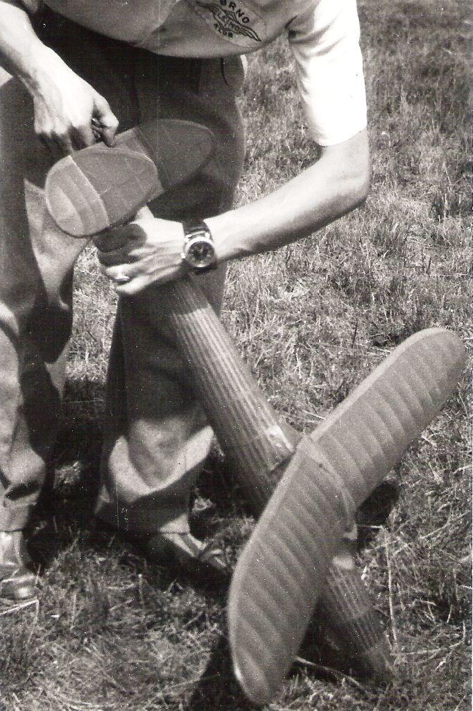 JJ-46 a Jaromír Jančařík - Celostátní modelářská soutěž - Vajnory 1947