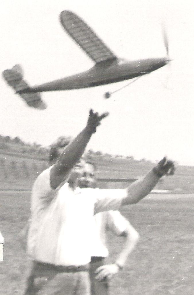 Zdeněk Husička startuje JJ-46