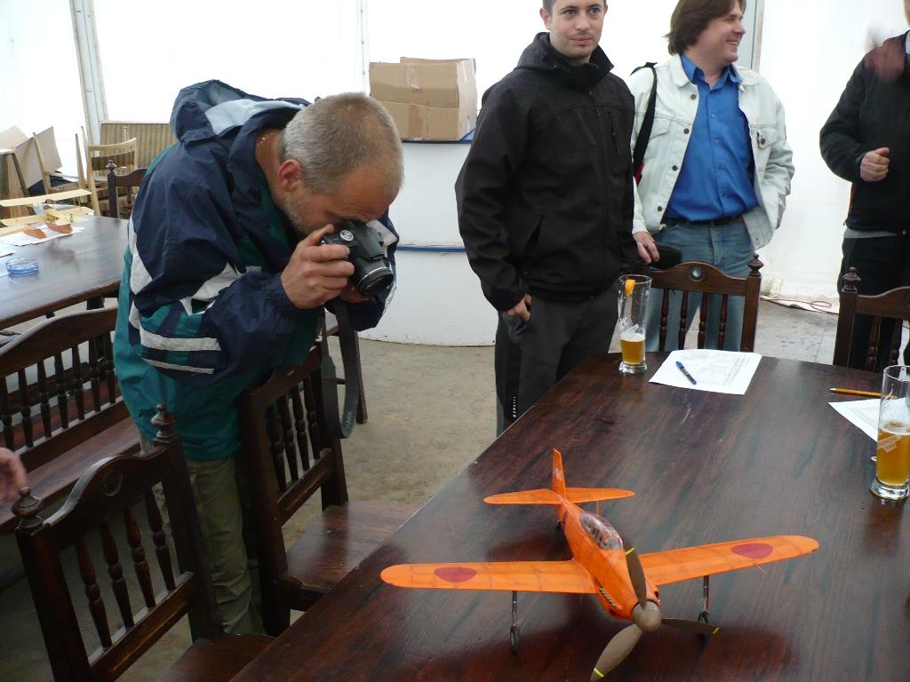Registrace a bodování je jedním z mála okamžiků, kdy se dají nafotit všechny modely (ještě vcelku) - Pavel Stráník